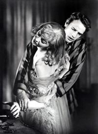 A Streetcar Named Desire - 8 x 10 B&W Photo #4