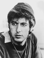 Al Pacino - Al Pacino Facing the Camera wearing a Bonnet Close Up Portrait