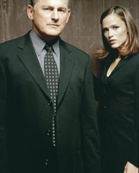 Alias (TV) - 8 x 10 Color Photo #008