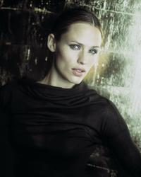 Alias (TV) - 8 x 10 Color Photo #044