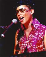 Alicia Keys - Alicia Keys in Pink Dress singing