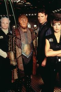 Babylon 5 - 8 x 10 Color Photo #10