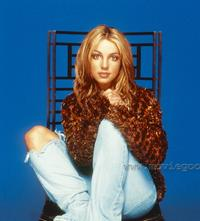 Britney Spears - 8 x 10 Color Photo #8