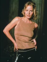 Buffy The Vampire Slayer (TV) - 8 x 10 Color Photo #069