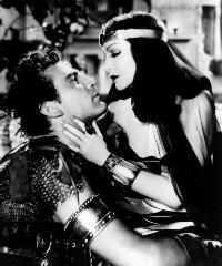 Cleopatra - 8 x 10 B&W Photo #7