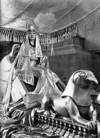 Cleopatra - 8 x 10 B&W Photo #17