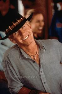 Crocodile Dundee in Los Angeles - 8 x 10 Color Photo #9