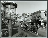 Disneyland Star Tours - 8 x 10 B&W Photo #10