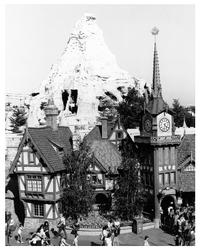 Disneyland Star Tours - 8 x 10 B&W Photo #11