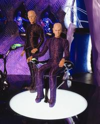 Earth: Final Conflict - 8 x 10 Color Photo #9
