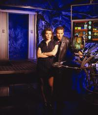 Earth: Final Conflict - 8 x 10 Color Photo #10