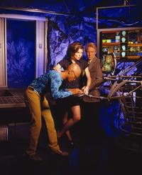 Earth: Final Conflict - 8 x 10 Color Photo #11