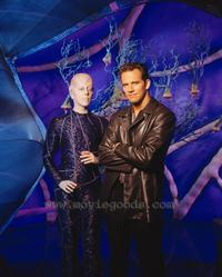 Earth: Final Conflict - 8 x 10 Color Photo #16