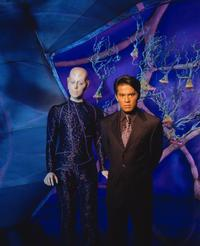 Earth: Final Conflict - 8 x 10 Color Photo #17