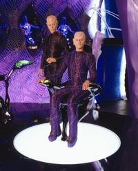 Earth: Final Conflict - 8 x 10 Color Photo #18