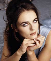 Elizabeth Hurley - 8 x 10 Color Photo #3