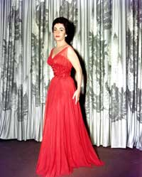 Elizabeth Taylor - 8 x 10 Color Photo #18
