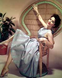 Elizabeth Taylor - 8 x 10 Color Photo #21