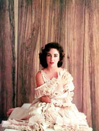 Elizabeth Taylor - 8 x 10 Color Photo #32
