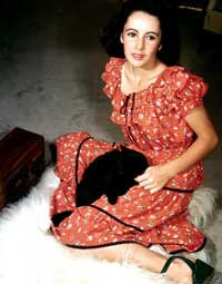 Elizabeth Taylor - 8 x 10 Color Photo #117