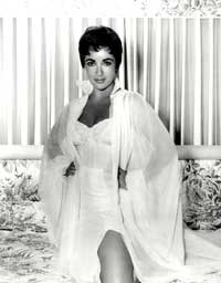 Elizabeth Taylor - 8 x 10 Color Photo #122