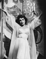 Elizabeth Taylor - Elizabeth Taylor Arms Up in Black and White