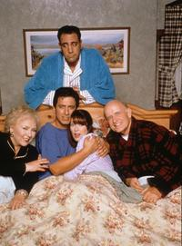 Everybody Loves Raymond (TV) - 8 x 10 Color Photo #010