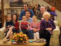 Everybody Loves Raymond (TV) - 8 x 10 Color Photo #047