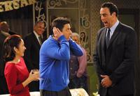 Everybody Loves Raymond (TV) - 8 x 10 Color Photo #052