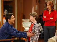Everybody Loves Raymond (TV) - 8 x 10 Color Photo #076