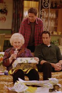 Everybody Loves Raymond (TV) - 8 x 10 Color Photo #079