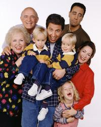 Everybody Loves Raymond (TV) - 8 x 10 Color Photo #096