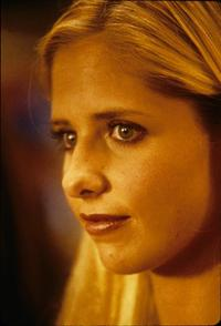 Sarah Michelle Gellar - 8 x 10 Color Photo #1