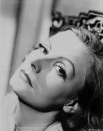 Greta Garbo - Greta Garbo Chin Up Pose