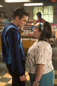 Hairspray - 8 x 10 Color Photo #2