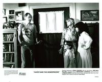 Harry and the Hendersons - 8 x 10 B&W Photo #8