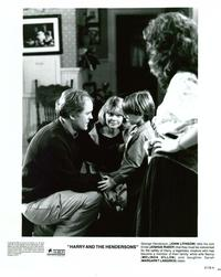 Harry and the Hendersons - 8 x 10 B&W Photo #10