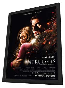 Intruders - 11 x 17 Movie Poster - Spanish Style A - in Deluxe Wood Frame