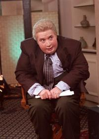 Jiminy Glick in La La Wood - 8 x 10 Color Photo #8