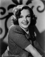 Judy Garland - Judy Garland portrait smiling