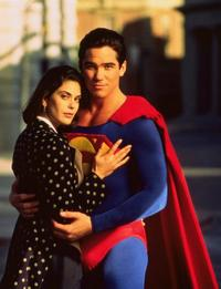 Lois and Clark: The New Adventures of Superman - 8 x 10 Color Photo #2