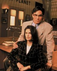 Lois and Clark: The New Adventures of Superman - 8 x 10 Color Photo #5