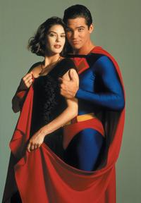 Lois and Clark: The New Adventures of Superman - 8 x 10 Color Photo #6