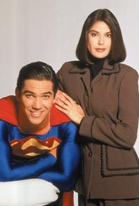 Lois and Clark: The New Adventures of Superman - 8 x 10 Color Photo #7
