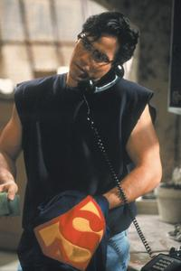 Lois and Clark: The New Adventures of Superman - 8 x 10 Color Photo #11