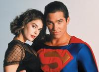 Lois and Clark: The New Adventures of Superman - 8 x 10 Color Photo #16