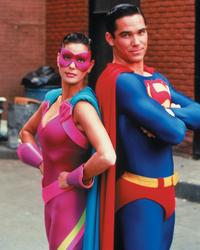 Lois and Clark: The New Adventures of Superman - 8 x 10 Color Photo #22