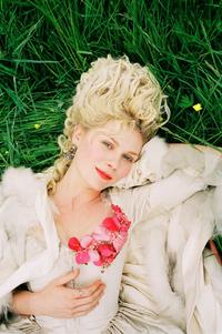 Marie Antoinette - 8 x 10 Color Photo #1
