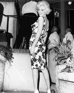 Marilyn Monroe - Marilyn Monroe smiling in Floral Dress