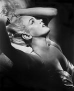 Marilyn Monroe - Marilyn Monroe Posed in Light